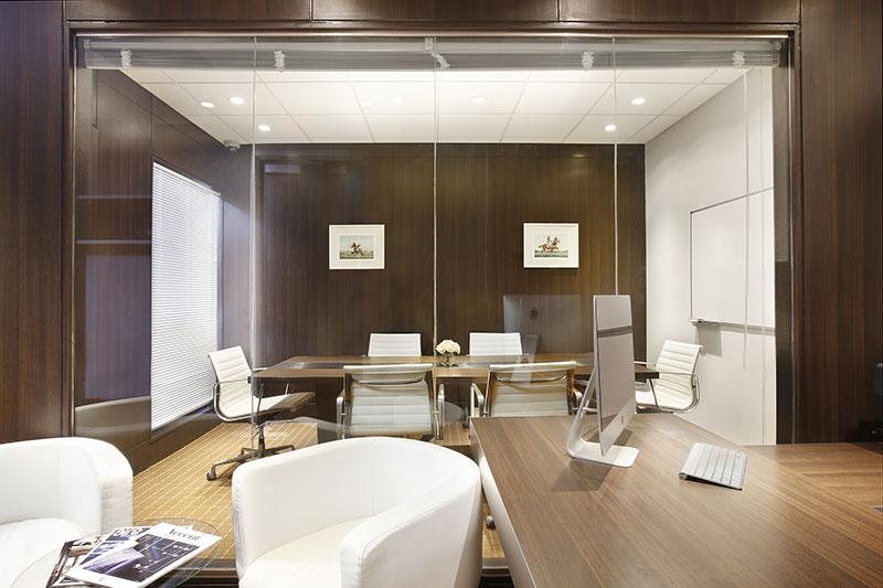 Stylish Miami Beach  Meeting Room