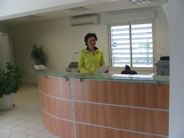 Receptionist Welcoming Area - Montpellier Virtual Office