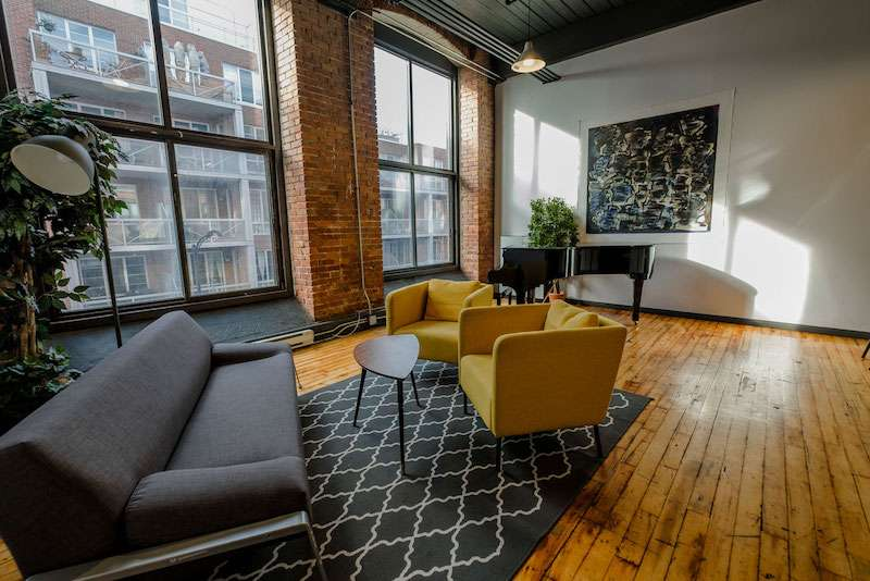 Montreal Virtual Office Space - Comfortable Commons Area