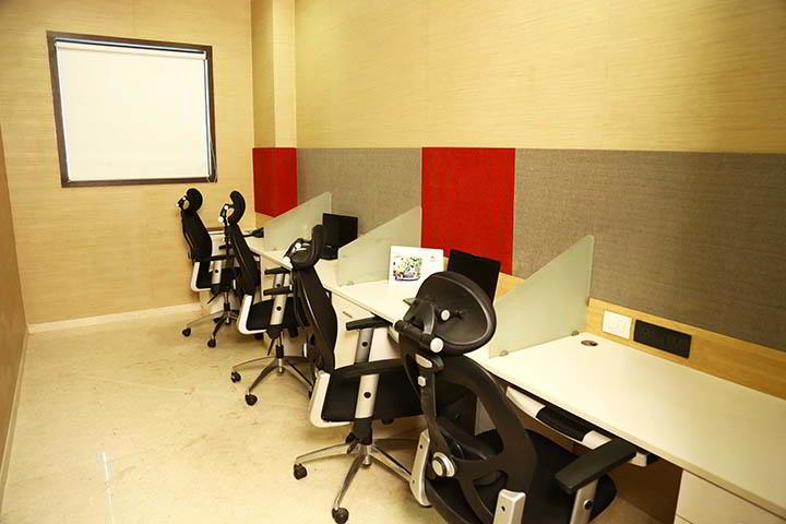 Mumbai Virtual Office Space - Comfortable Commons Area