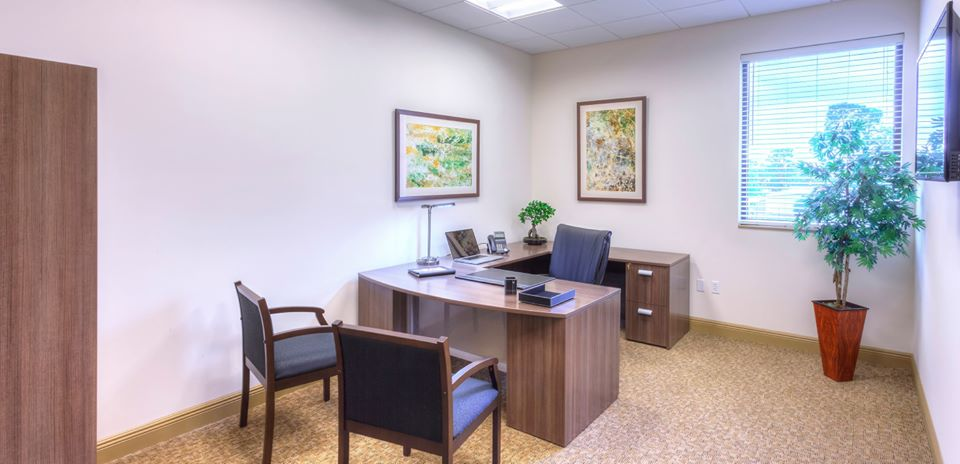 Virtual Offices Naples - Temp Offices or Meeting Room