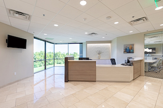 Phoenix Live Receptionist and Business Address Lobby