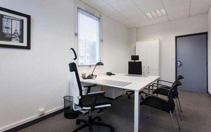Temporary Rennes Office - Meeting Room