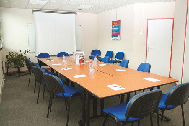 Stylish Rennes Meeting Room