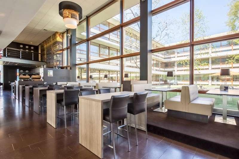 Rijen Virtual Office Space - Comfortable Commons Area