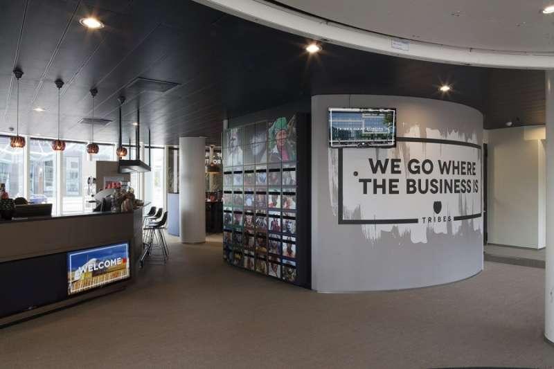 Rotterdam Live Receptionist and Business Address Lobby