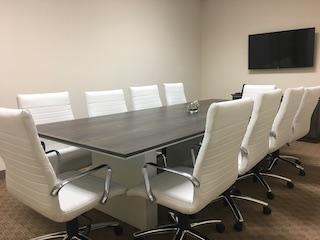 Stylish Santa Clarita Meeting Room