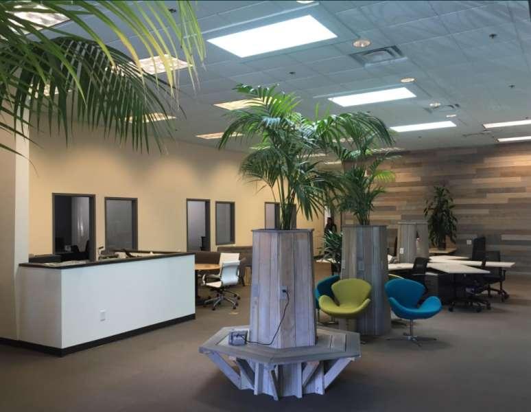 Santa Cruz Busines Address - Lounge Area