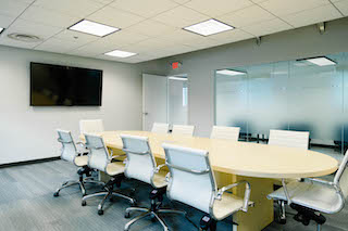 Stylish Silver Spring Meeting Room