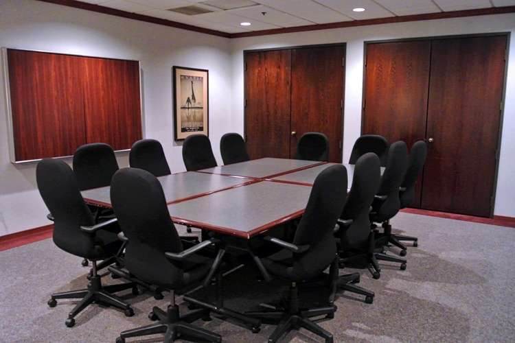 Nice Conference and Meeting Rooms in Southfield