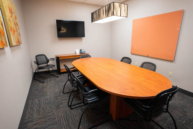 Nice Conference and Meeting Rooms in St. Louis Park