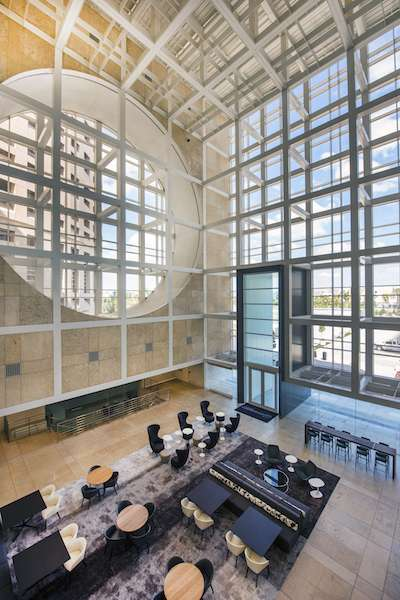 Tampa Virtual Office Space - Comfortable Commons Area