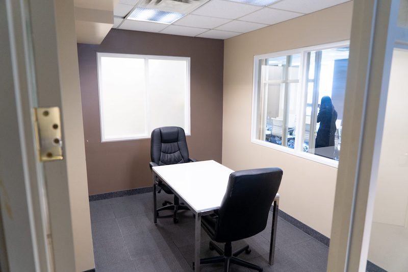 Virtual Offices Toronto - Temp Offices or Meeting Room