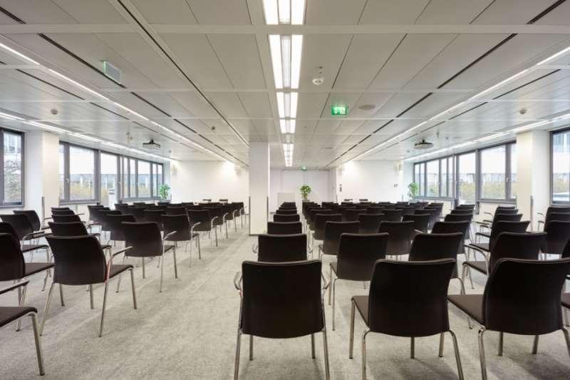 Stylish Vienna Meeting Room
