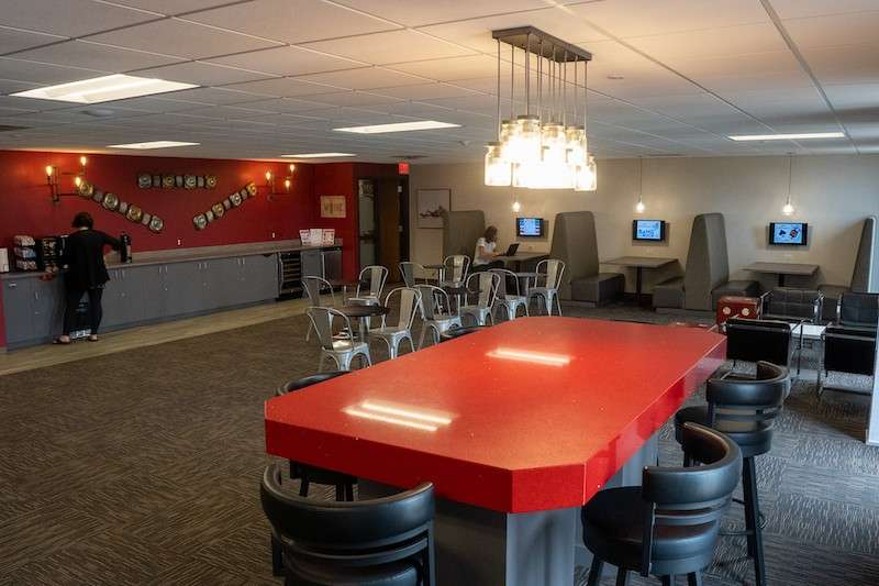 Woodbury Virtual Office Space - Comfortable Commons Area