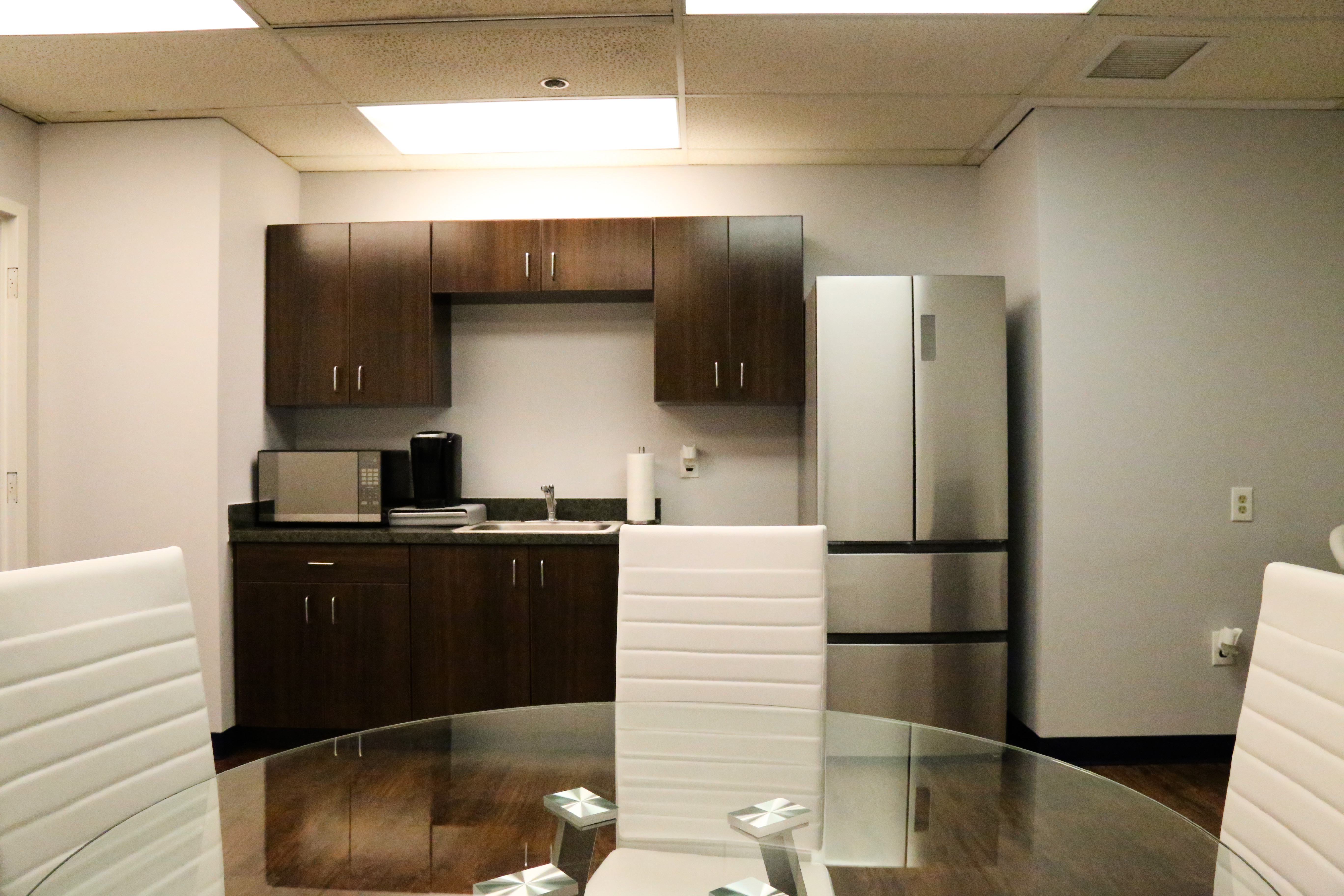 Break Room - Kitchen Area - Columbia Virtual Office