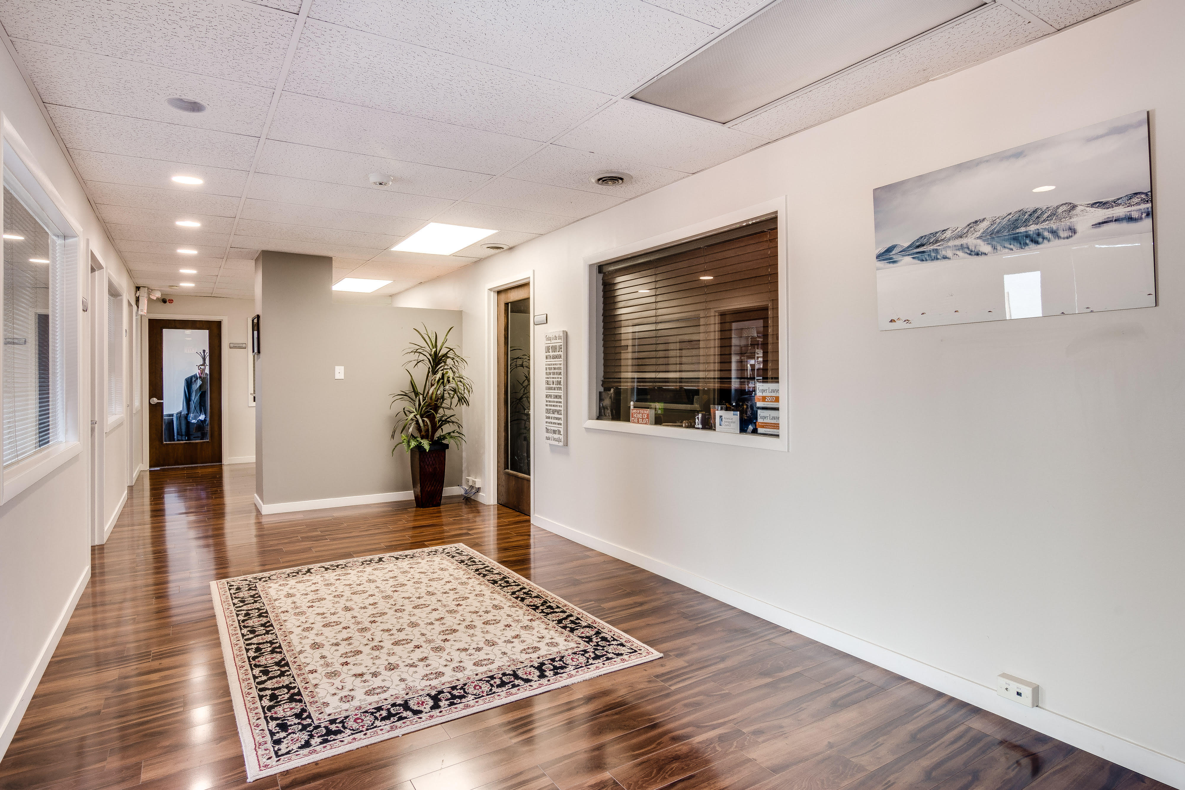 Chicago Virtual Office Space - Comfortable Commons Area