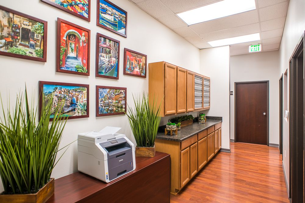 Carlsbad Virtual Office Space - Comfortable Commons Area