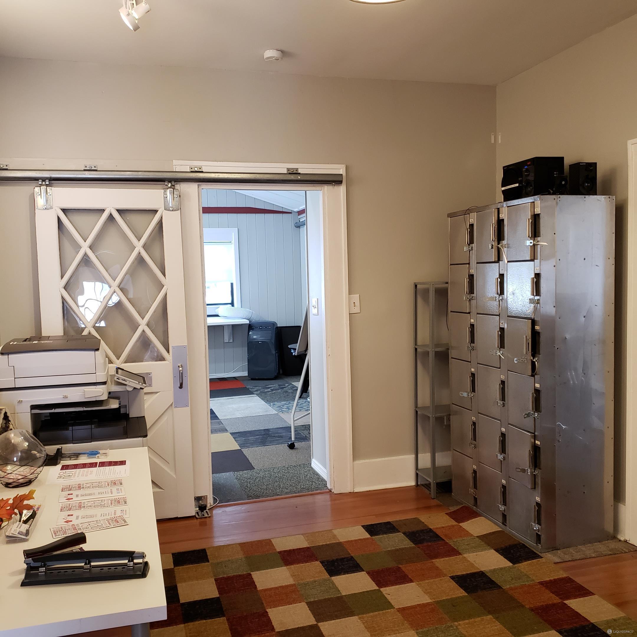 Orange Park Virtual Office Space - Comfortable Commons Area