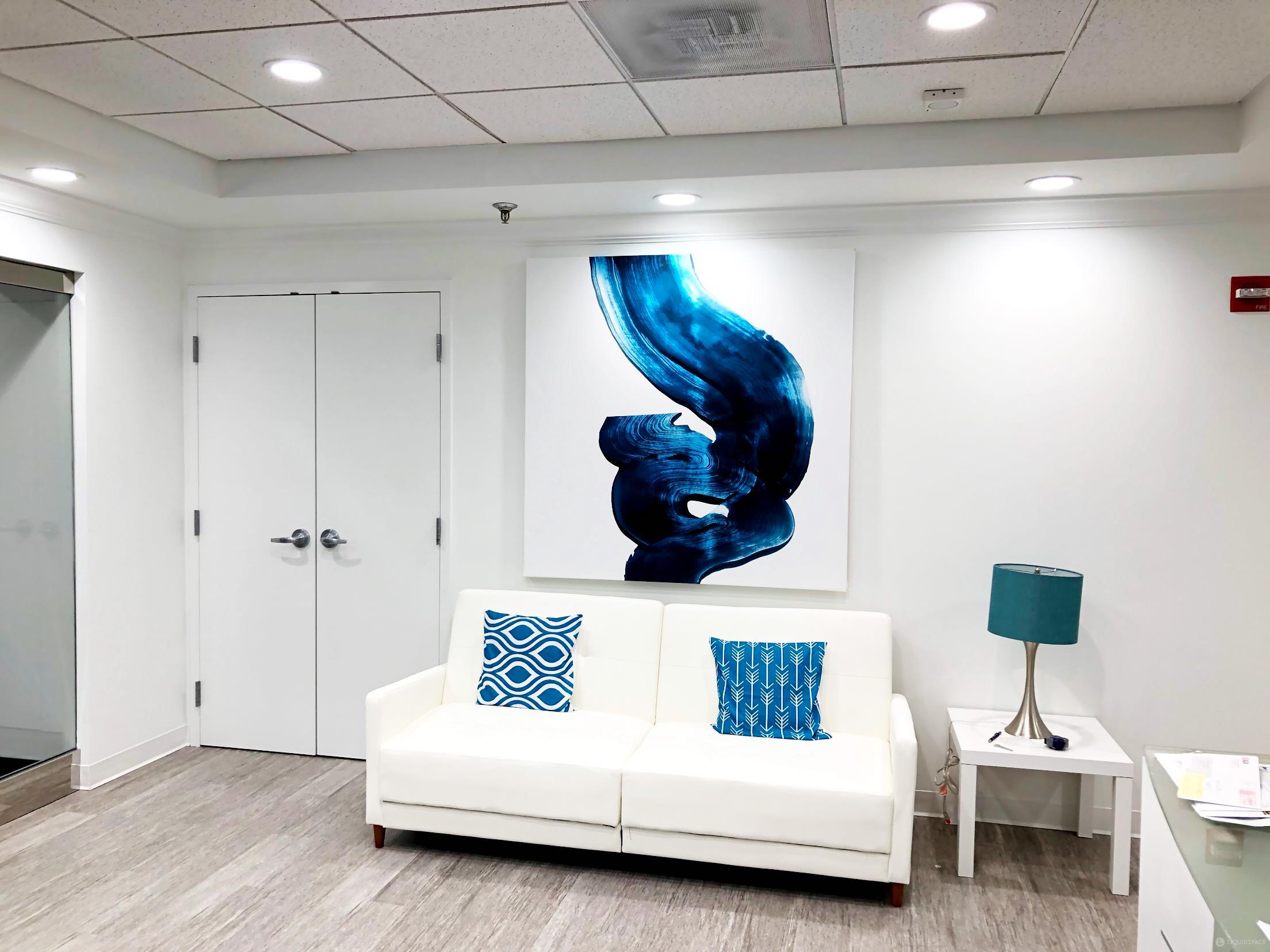 Fairfax Virtual Office Space - Comfortable Commons Area