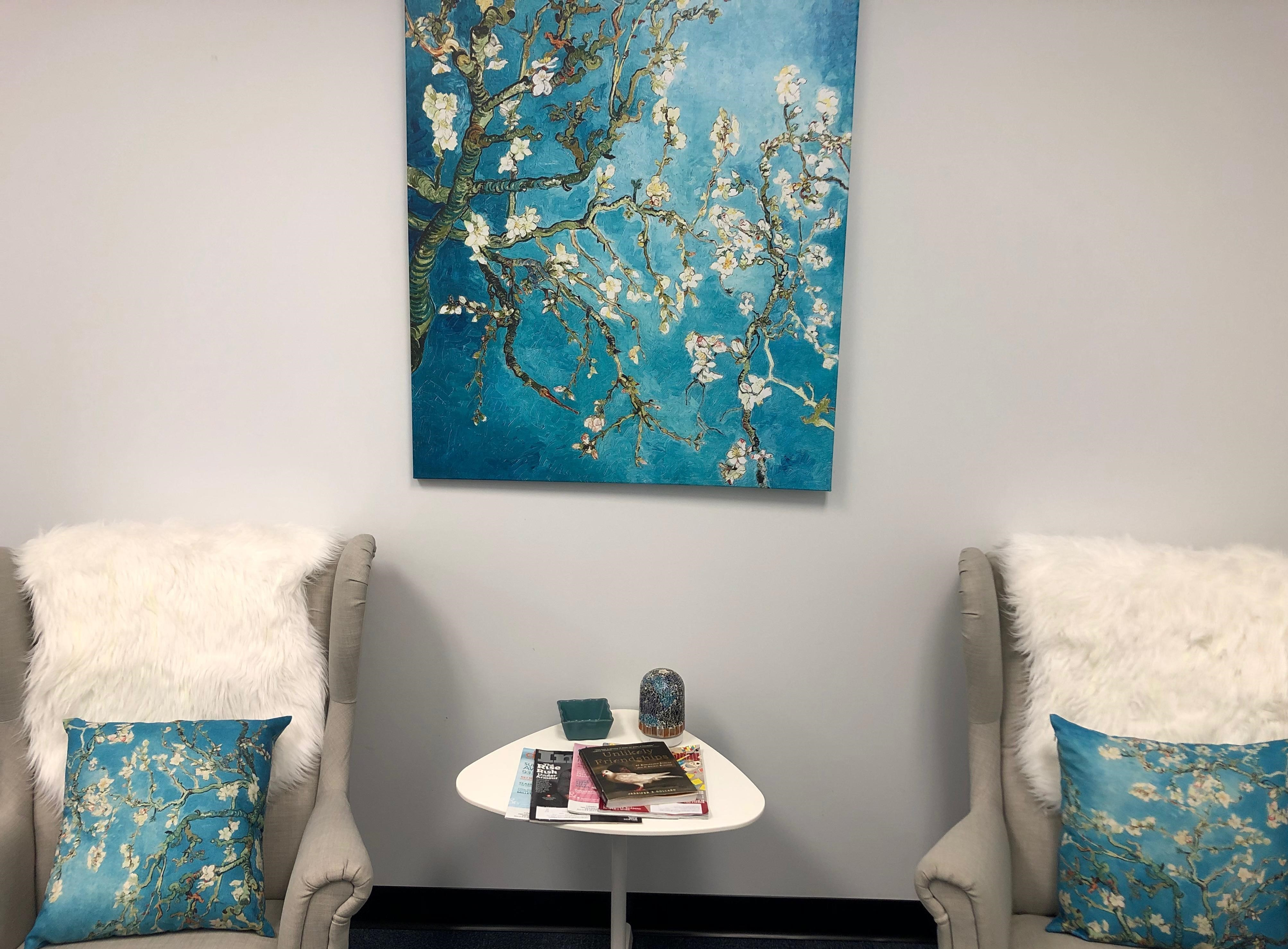 Beltsville Virtual Office Space - Comfortable Commons Area