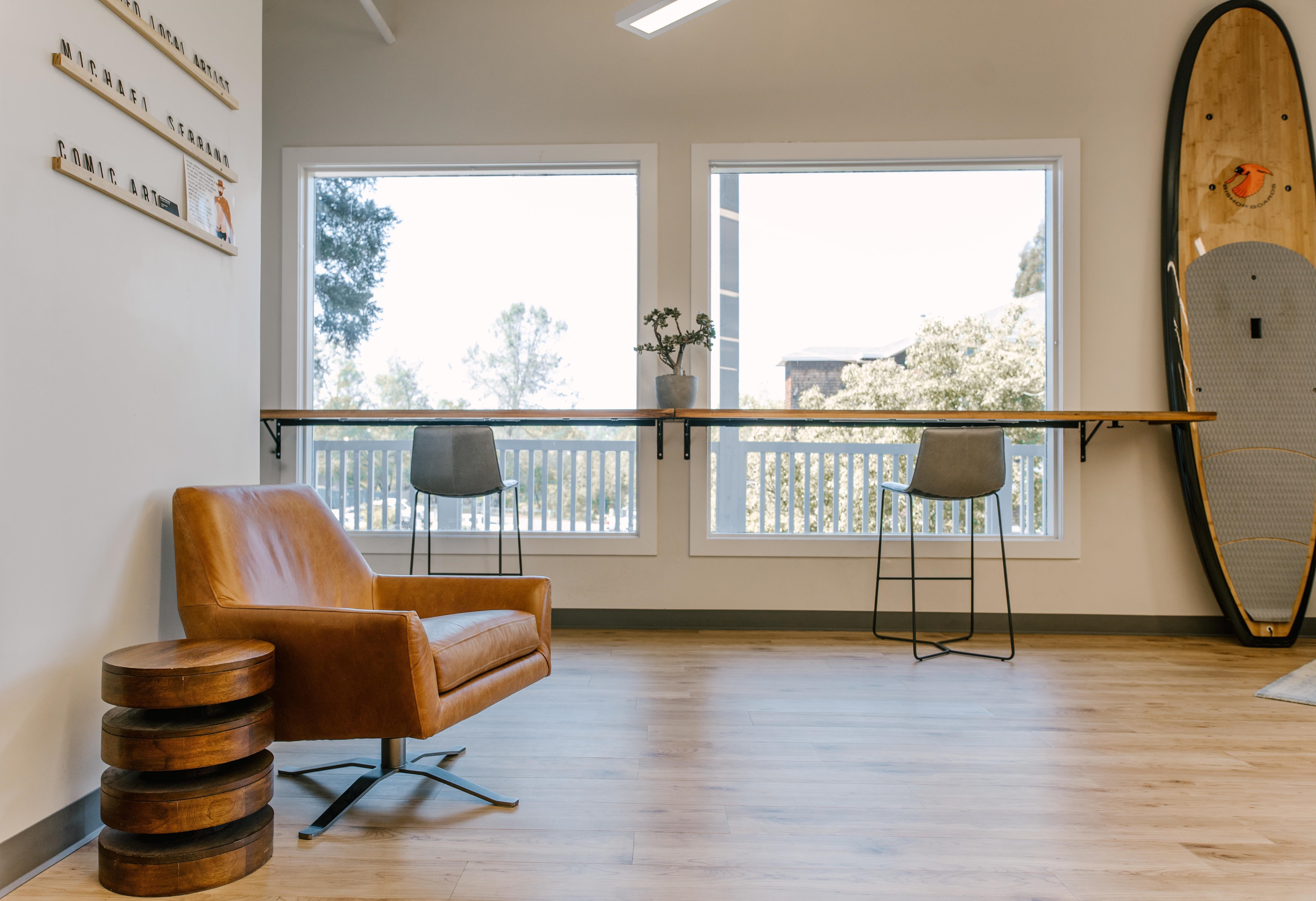 Folsom Virtual Office Space - Comfortable Commons Area