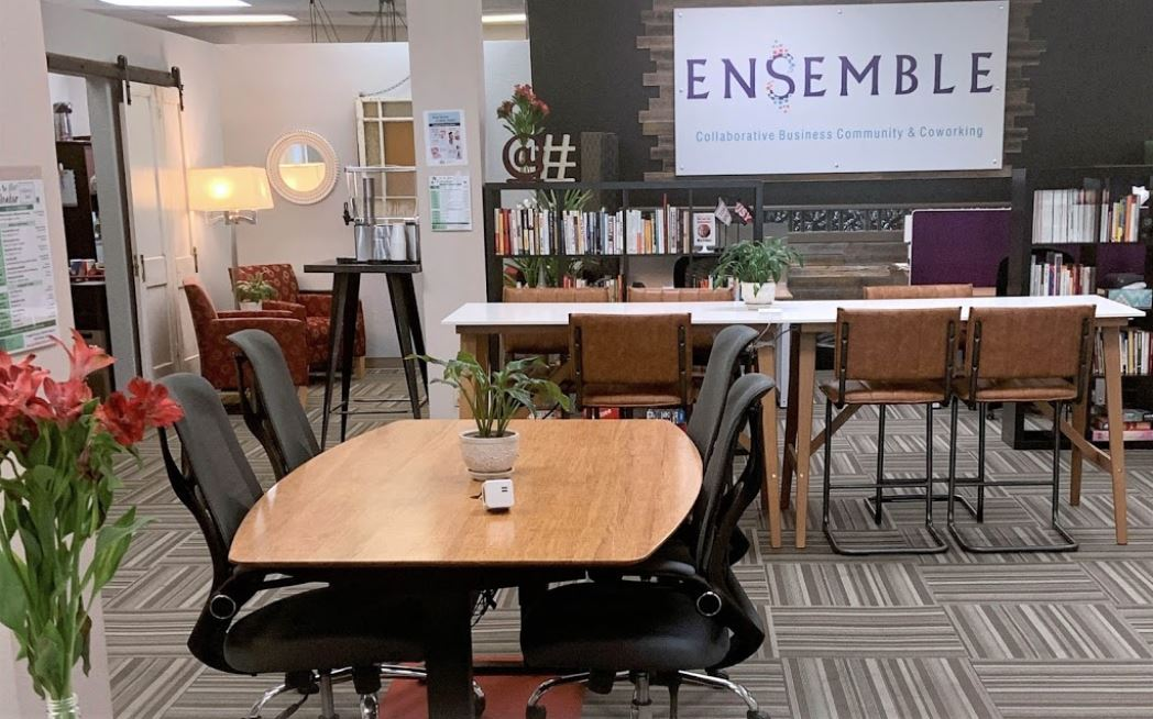 Fort Worth Virtual Office Space - Comfortable Commons Area