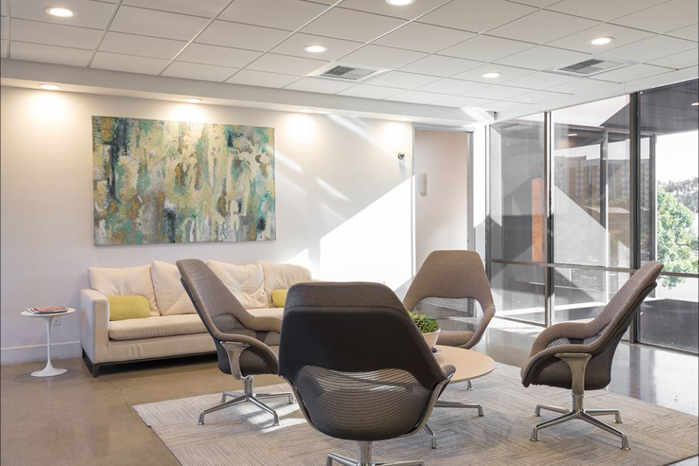Irvine Virtual Office Space - Comfortable Commons Area