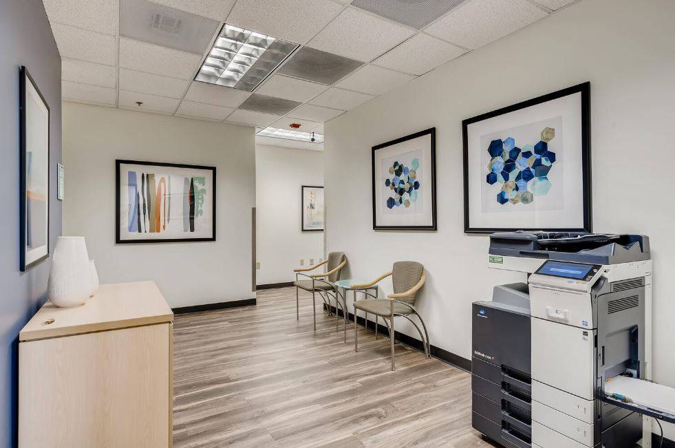 Lone Tree Virtual Office Space - Comfortable Commons Area