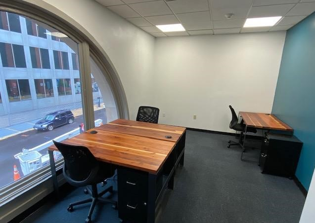 St. Louis Temporary Private Office or Meeting Room