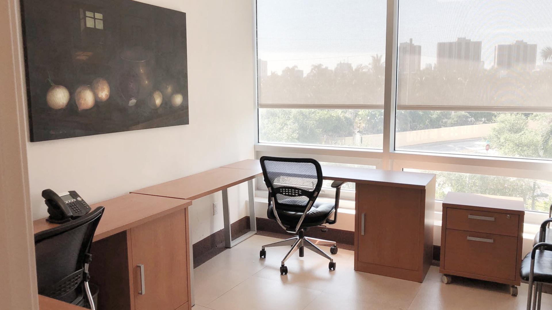 Temporary Aventura Office - Meeting Room