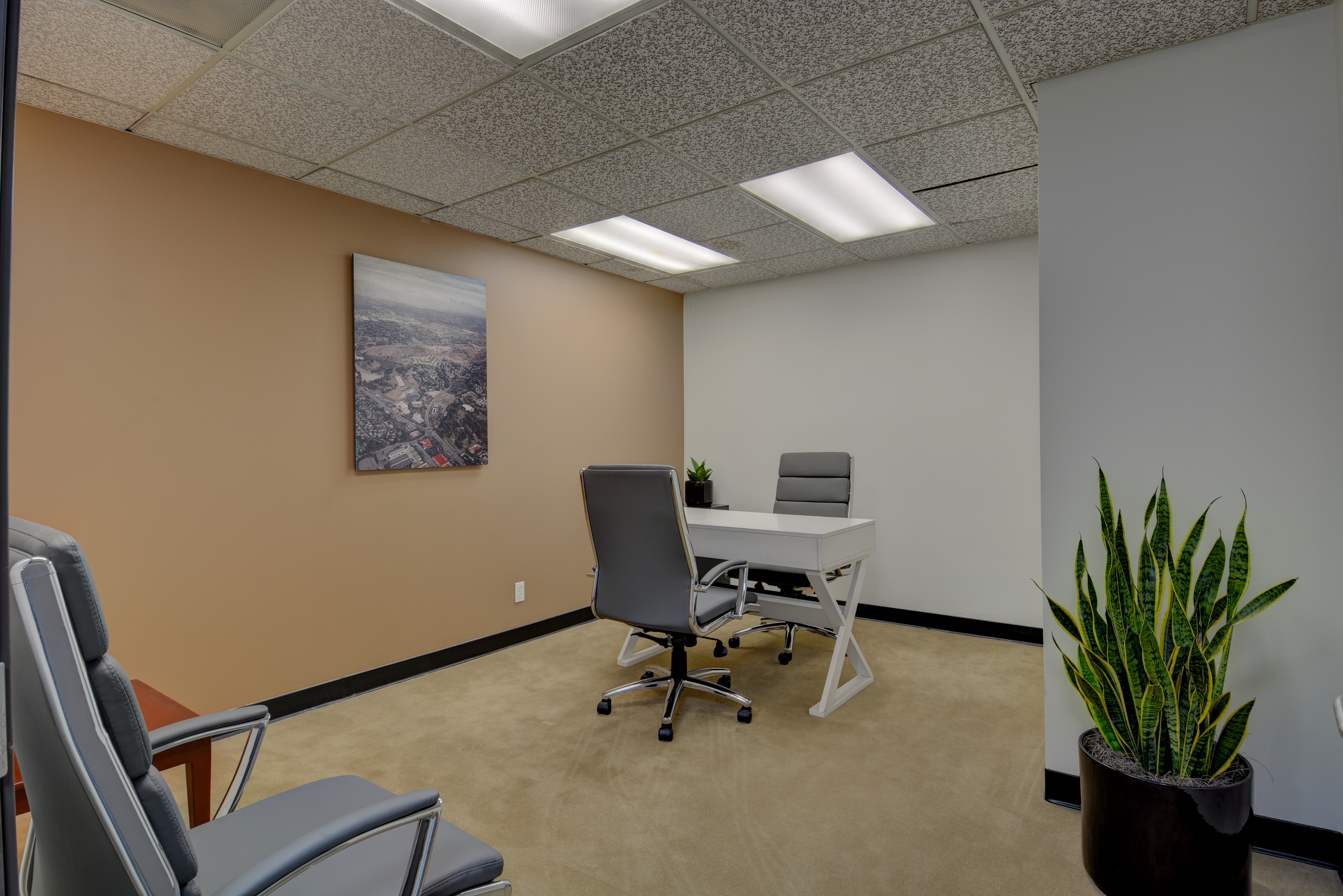 Fullerton Temporary Private Office or Meeting Room