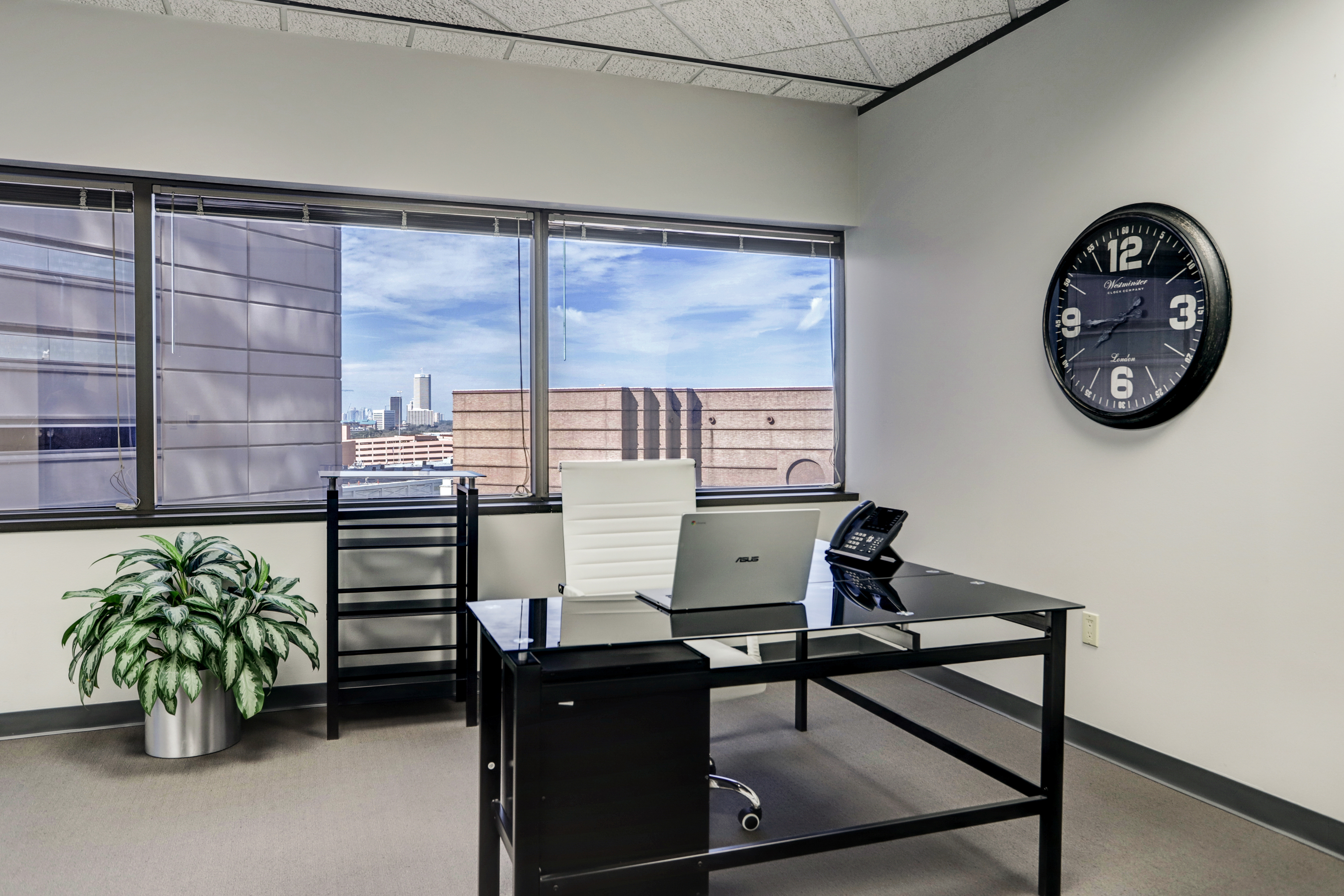 Temporary Houston Office - Meeting Room