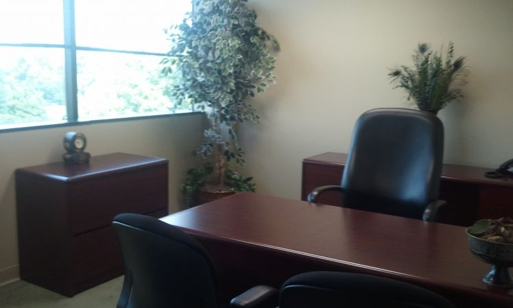 Louisville Temporary Private Office or Meeting Room