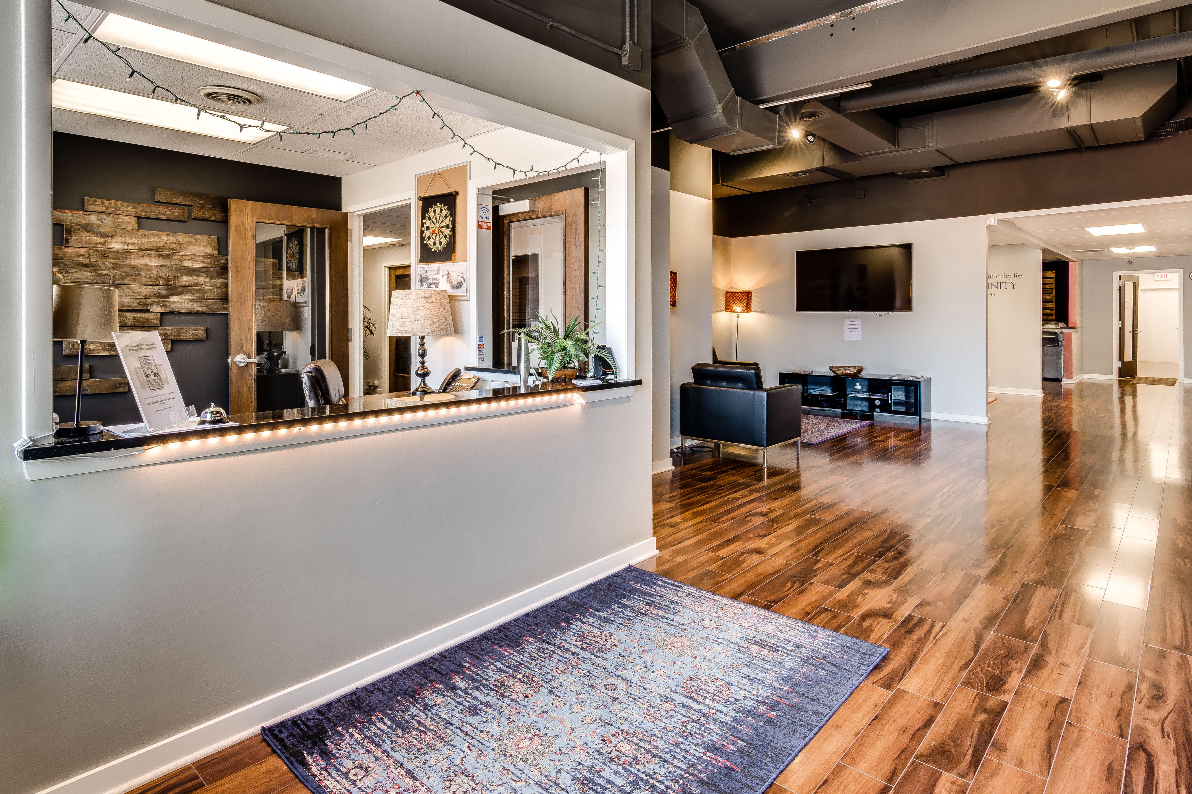 Receptionist and Mail Area - Chicago Virtual Office