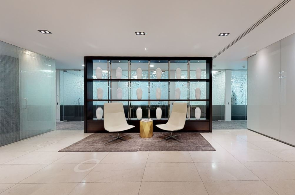 Receptionist Lobby - Virtual Offices in London Mayfair
