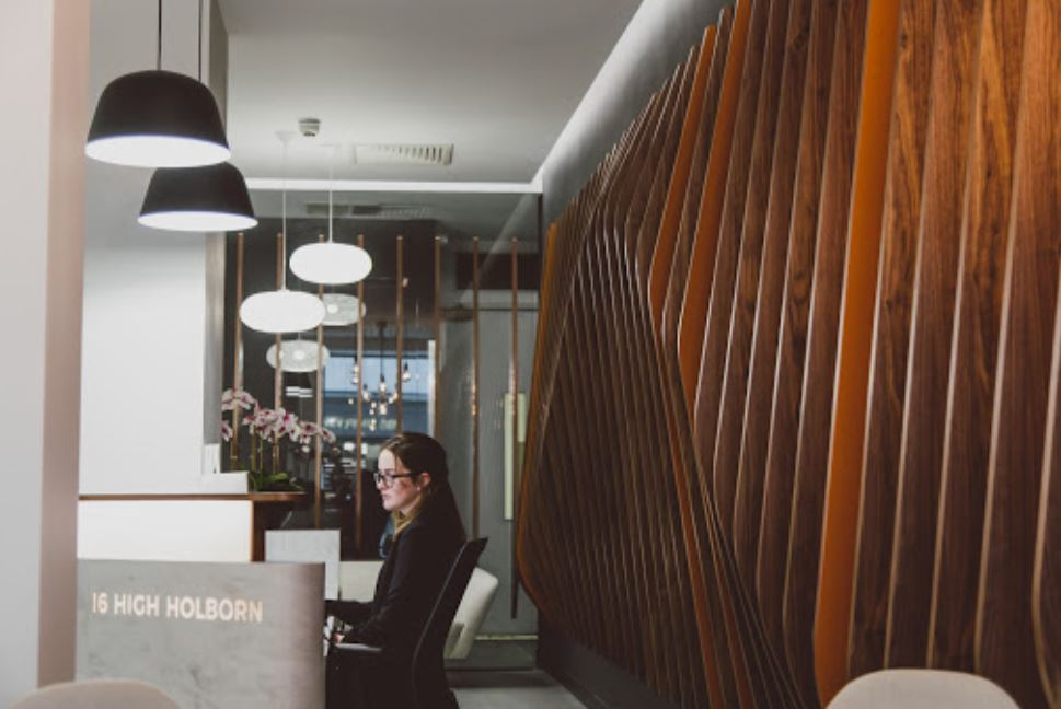London Holborn Live Receptionist and Business Address Lobby