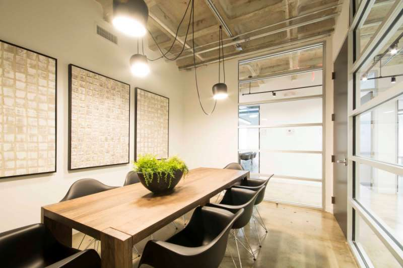 Stylish Miami Meeting Room