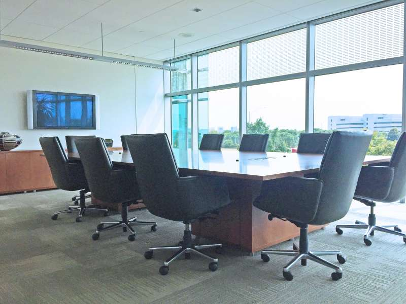 Stylish Naperville Meeting Room