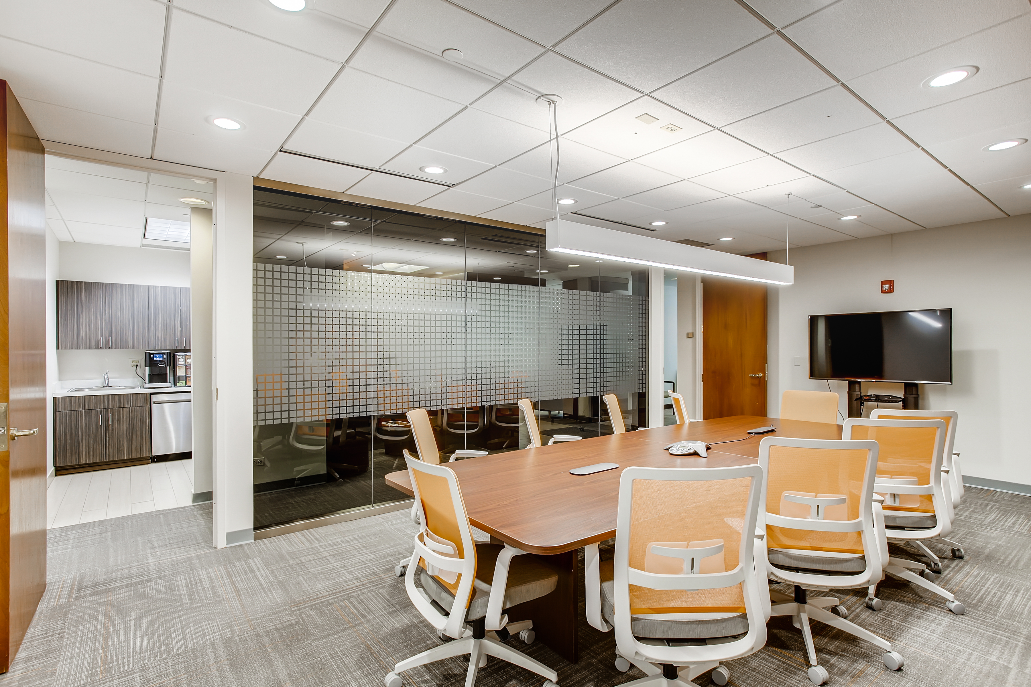 Nice Conference and Meeting Rooms in Naperville