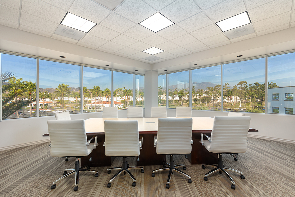 Nice Conference and Meeting Rooms in Foothill Ranch