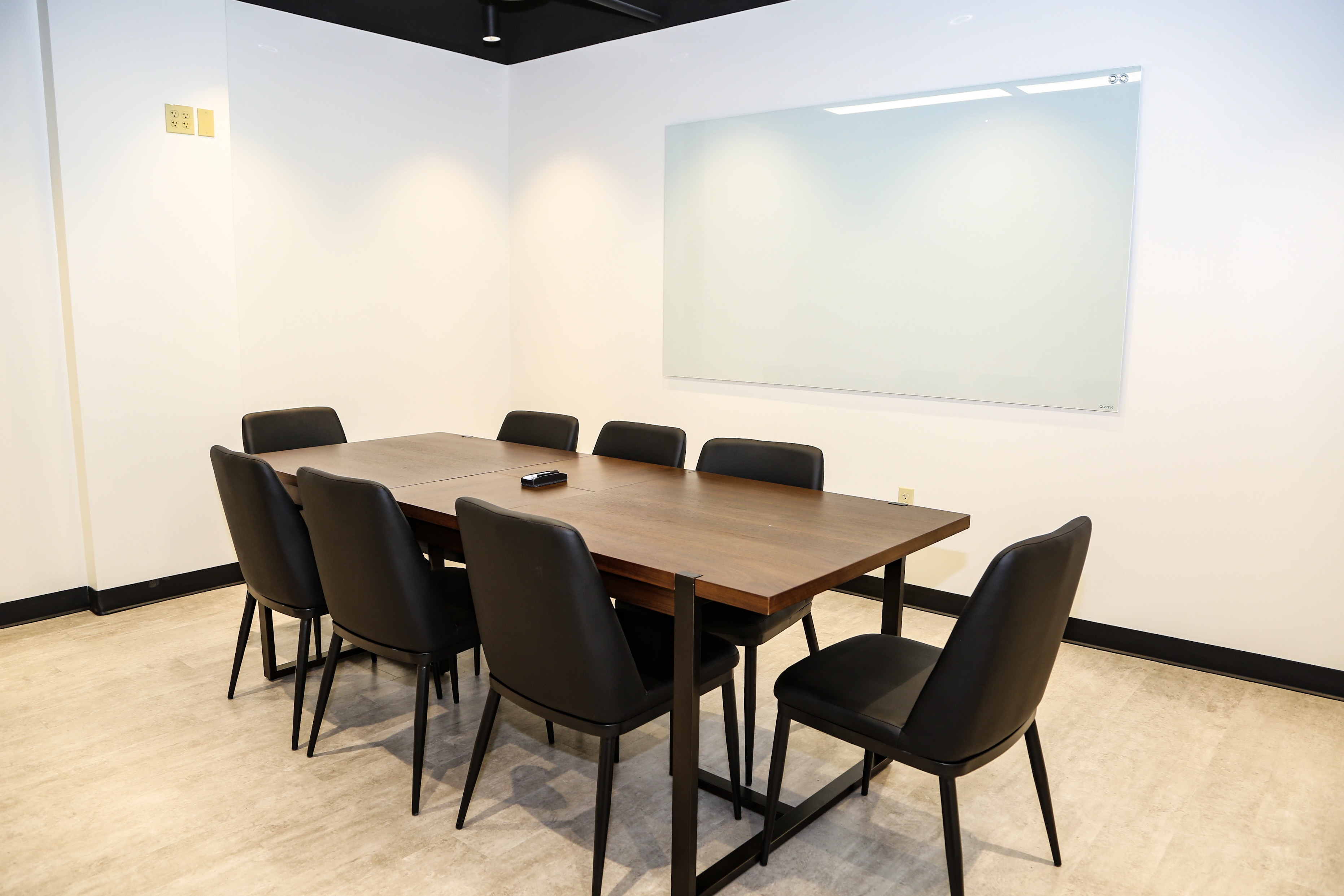 Nice Conference and Meeting Rooms in Midland