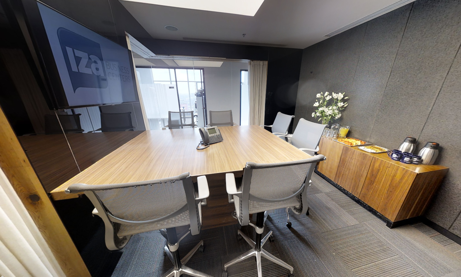 Stylish Mexico City Meeting Room