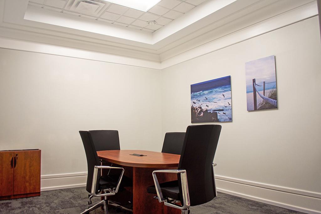 Stylish Charlotte Meeting Room