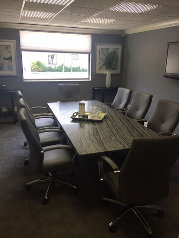 Stylish Hollywood Meeting Room