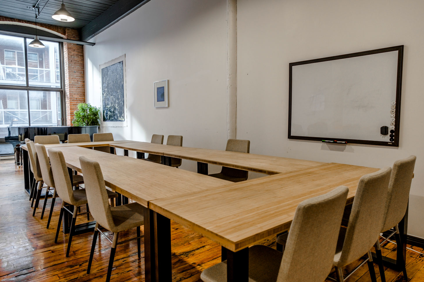 Stylish Montreal Meeting Room