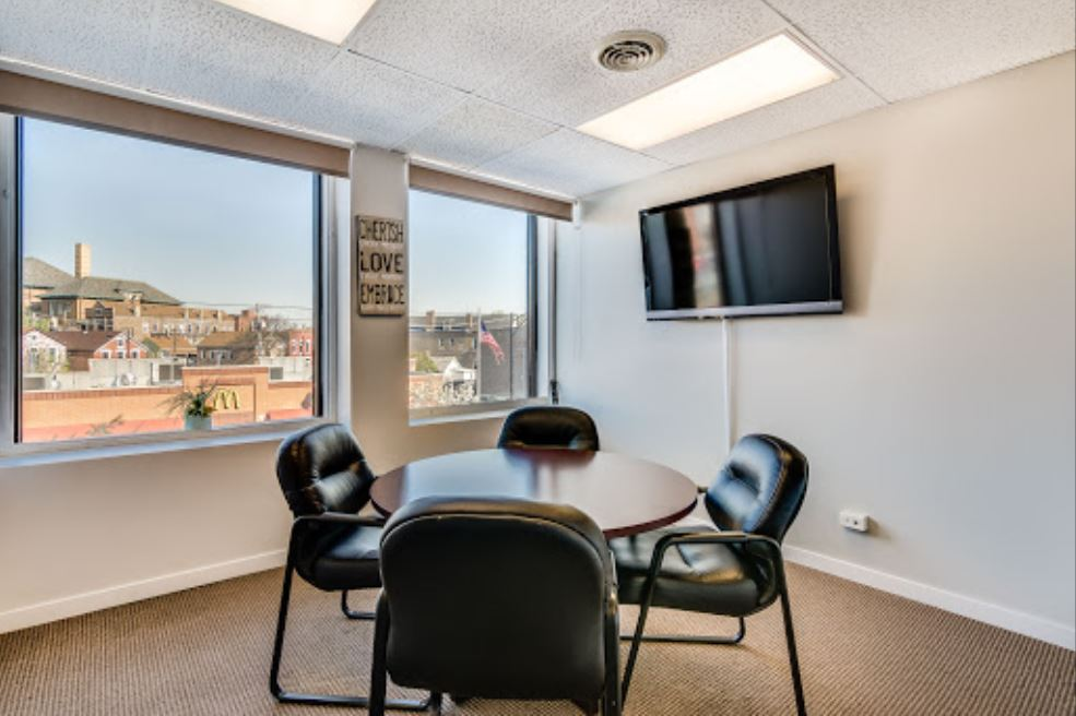 Nice Conference and Meeting Rooms in Chicago