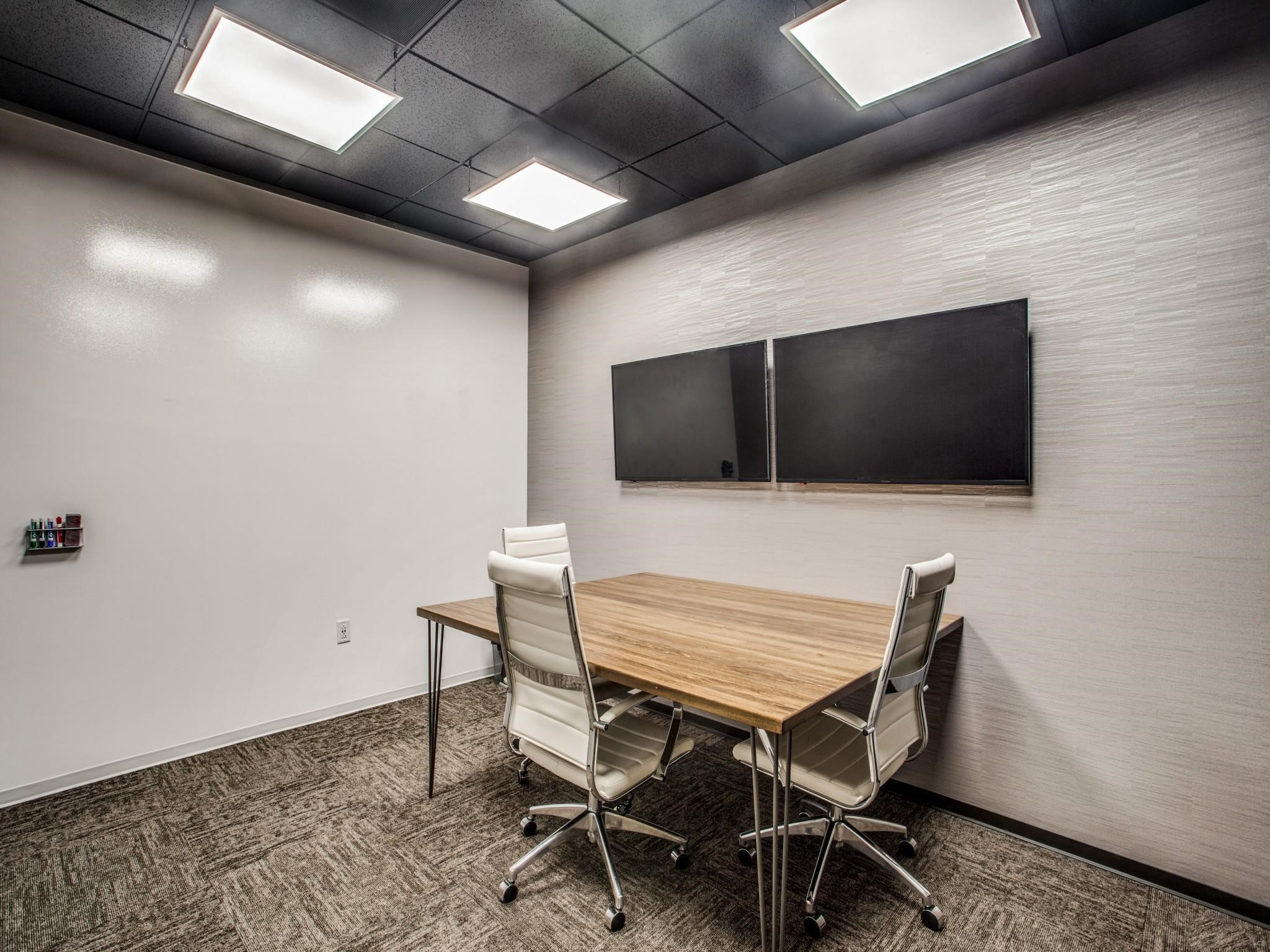 Nice Conference and Meeting Rooms in Sugar Land
