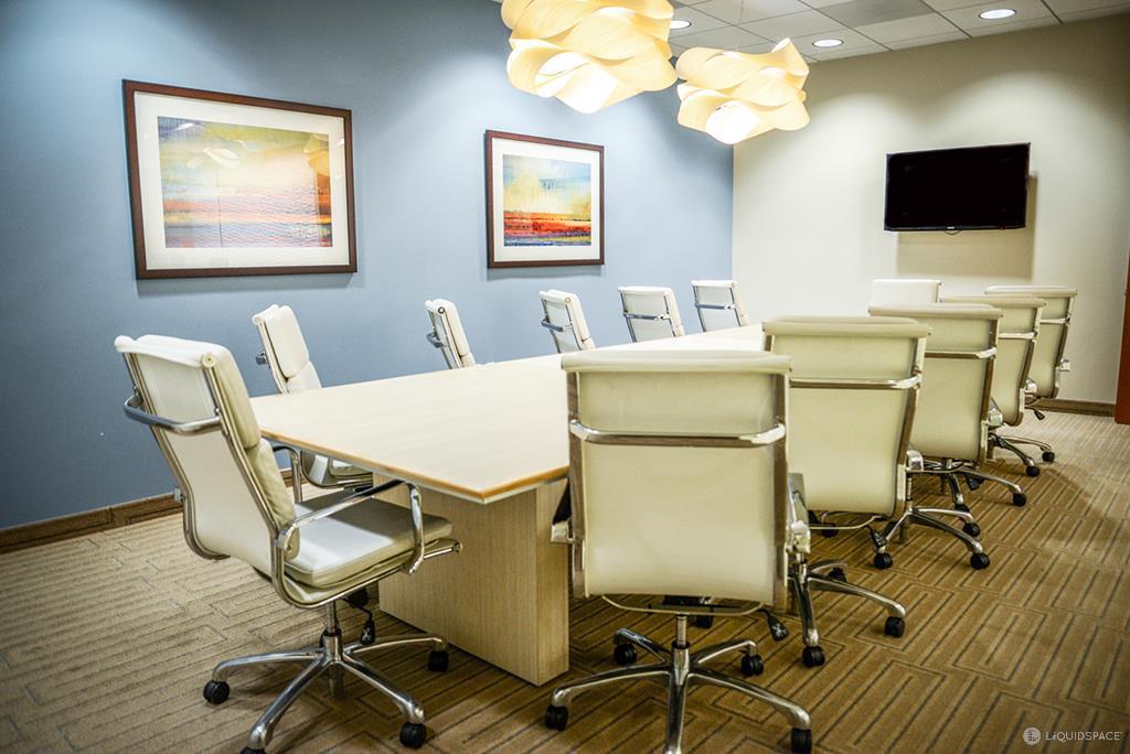Stylish Santa Monica Meeting Room