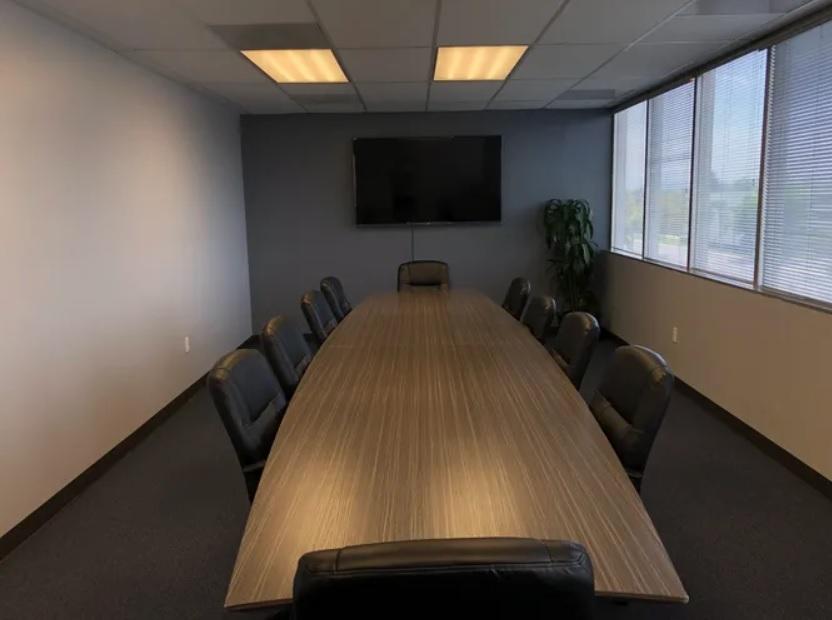 Stylish Santa Ana Meeting Room